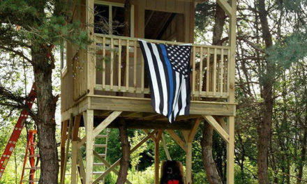 35 Cops Finish The Tree House A Slain Officer Was Building For His Daughter